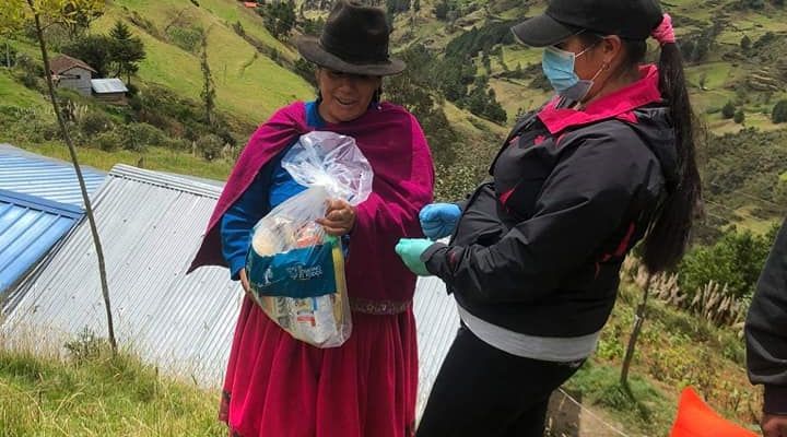 ENTREGAN KITS ALIMENTICIOS PARA LOS SECTORES PRIORITARIOS DE NUESTRA PARROQUIA.